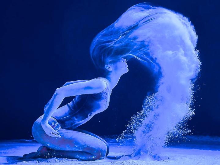 Dancer 7 Blue Exlosion