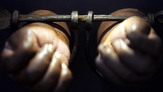 black_slave_shackles_138056705_fullwidth